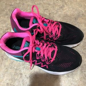 Nike zoom Winflo 3 shoes size 9